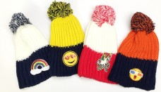 knit-pom-patch-hat